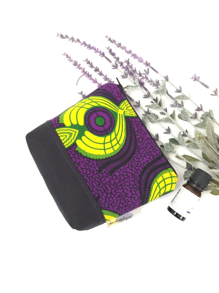 Essential Oil Pouch Holder in Purple