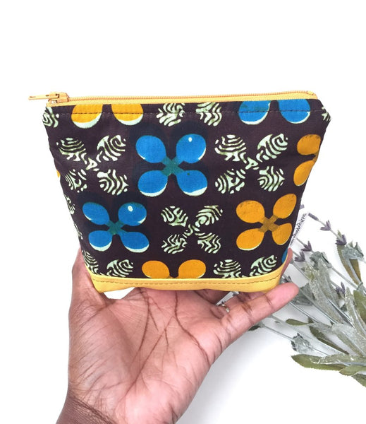 Essential Oil Pouch Holder in Brown Flowers