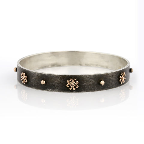 Flat Zayliya 10mm bangle with 9ct gold embellishments