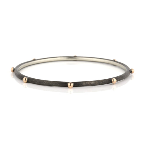 Zayliya 3mm round bangle with 8 x 9ct gold dots