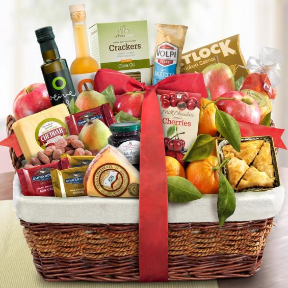 Gourmet Market Favorites Fruit Basket - CFG4018