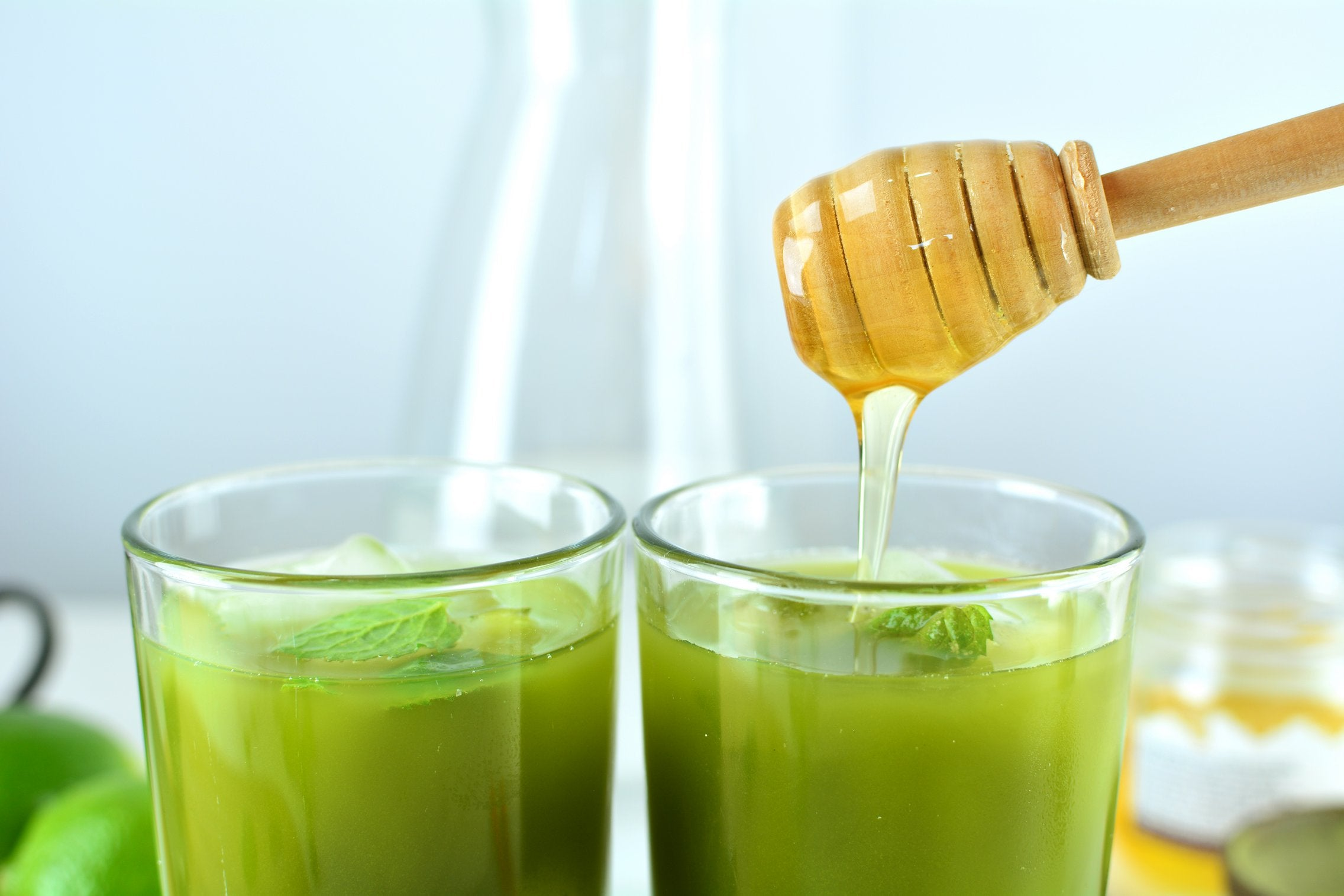 matcha-ice-tea-honey