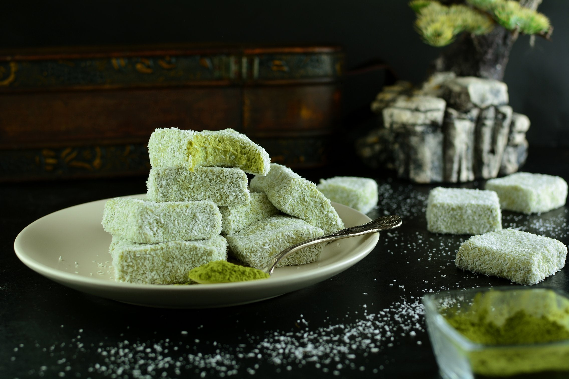 Matcha Coconut Fudge with Vanilla Extract