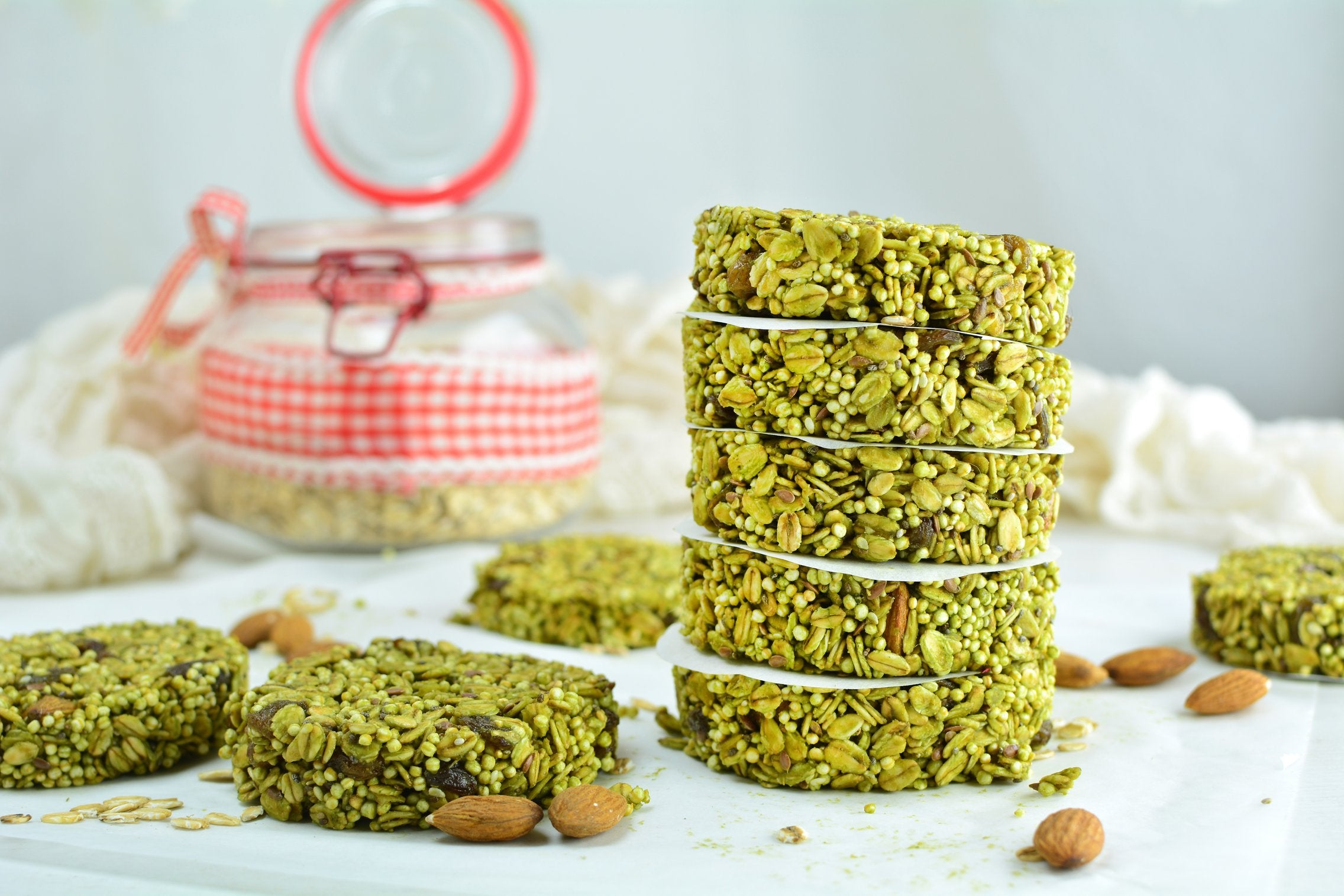 no-bake-matcha-quinoa-cookies-serving