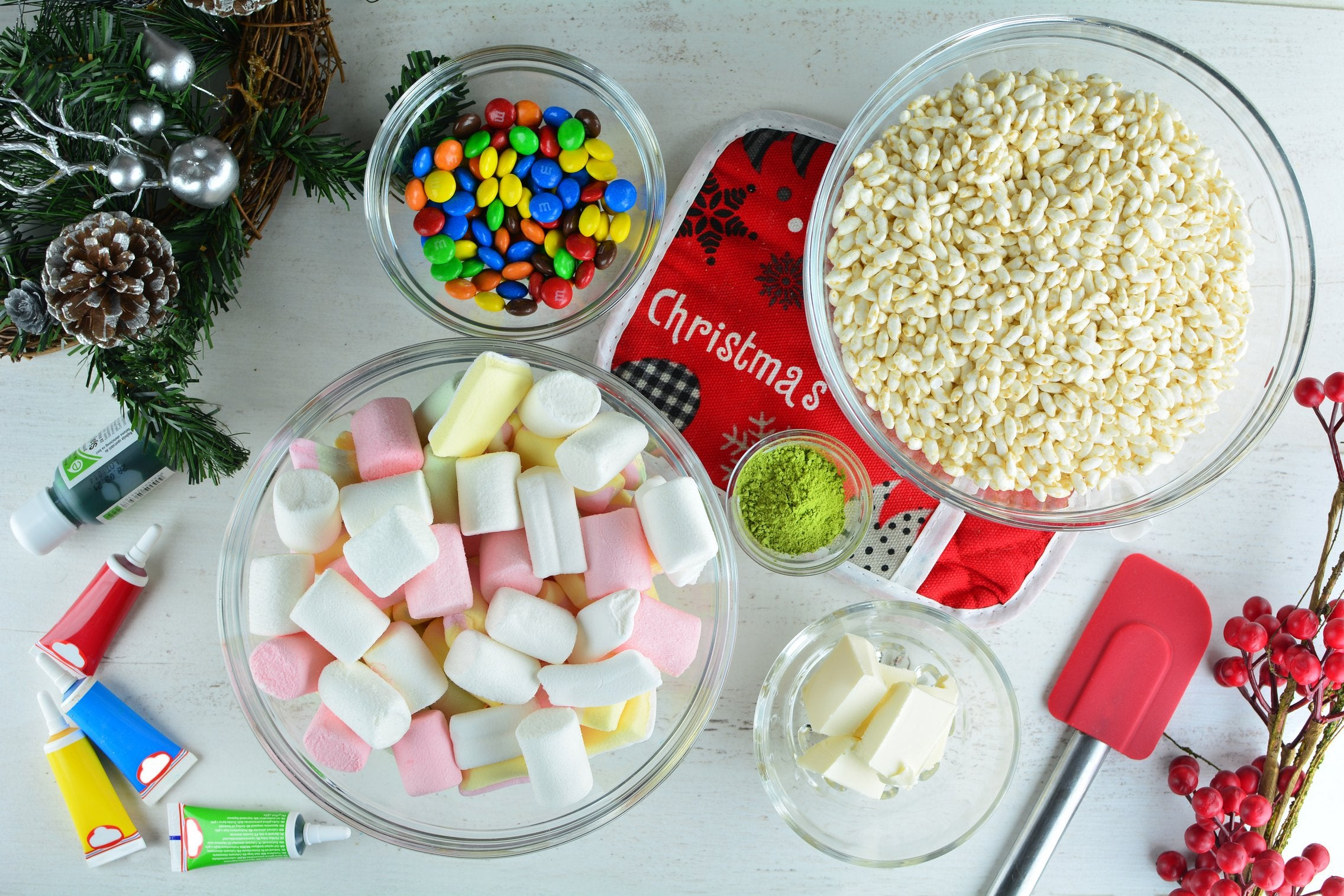 marshmallow-matcha-grinch-cookies-with-m-m-s-ingredients