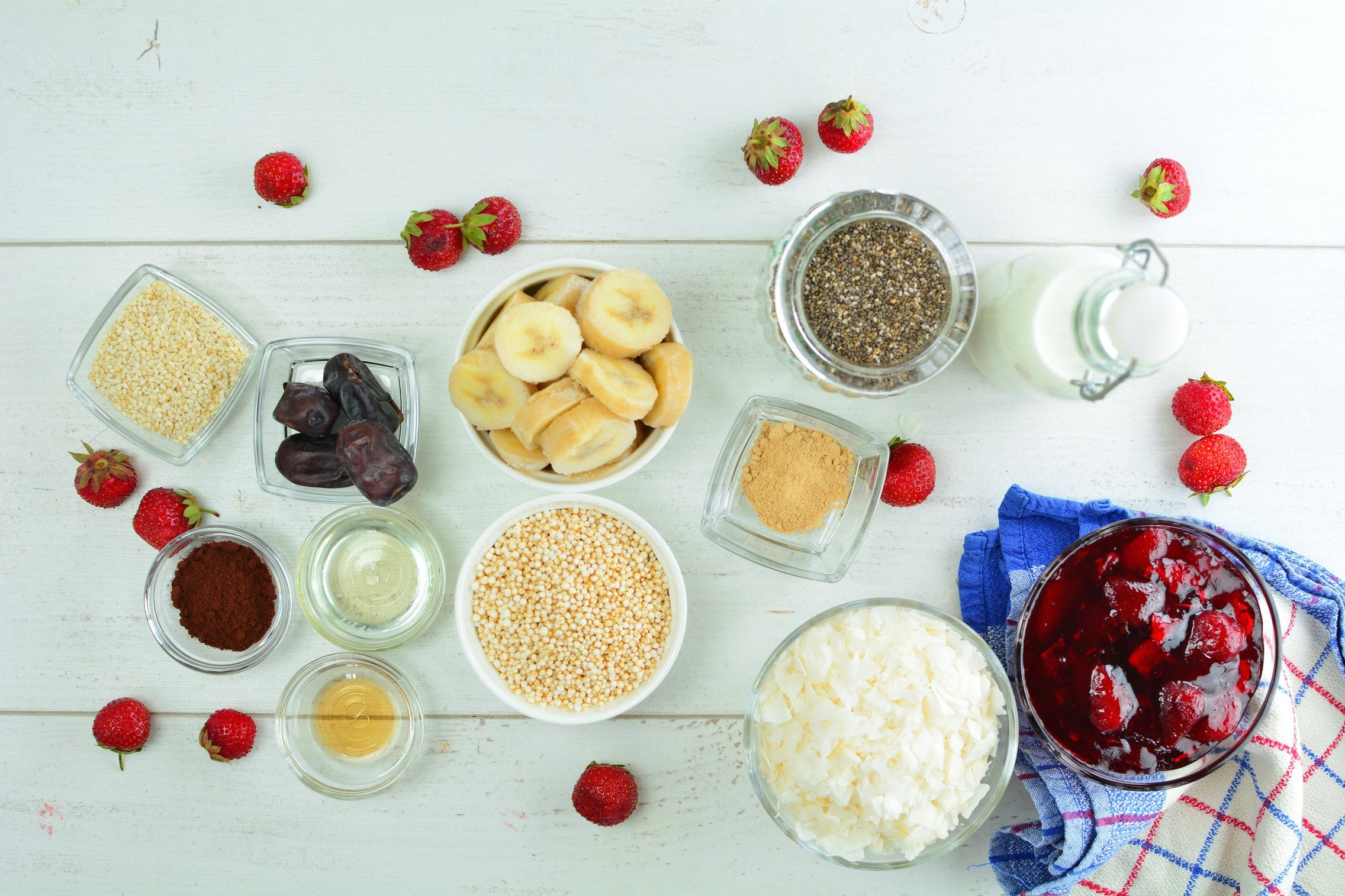 chia-maca-pudding-parfait-ingredients