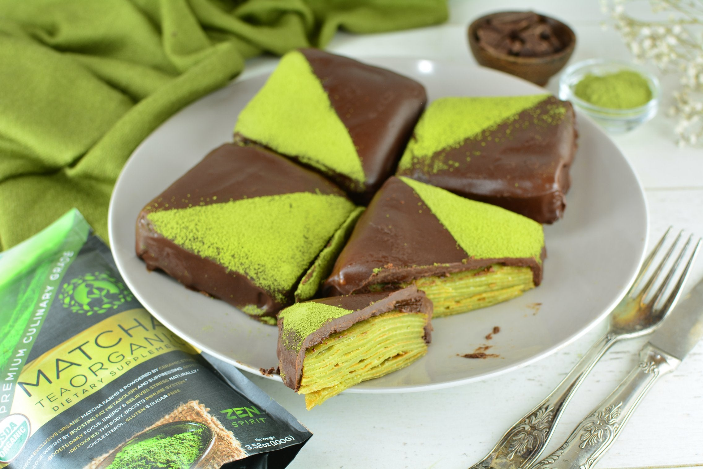 matcha-crepe-cakes-serving