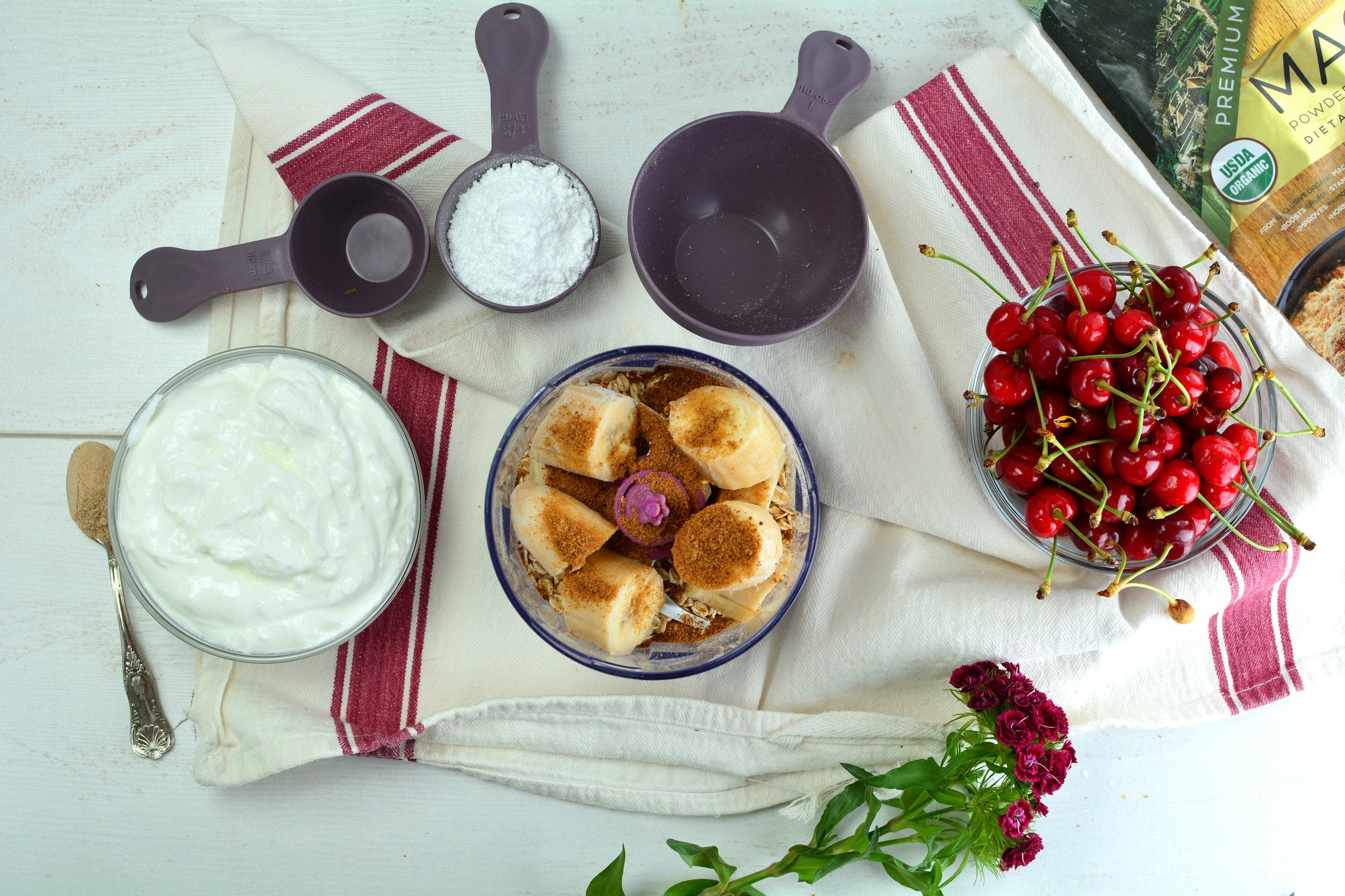 banana-cheesecake-parfait-ingredients