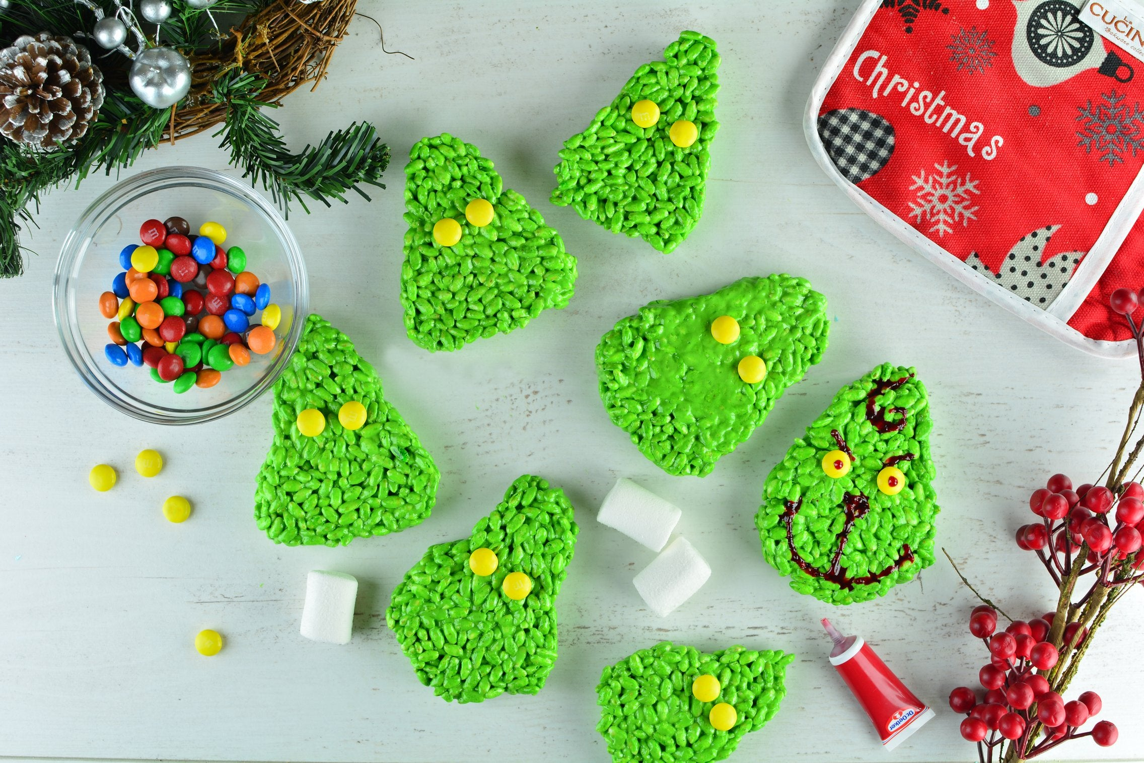 marshmallow-matcha-grinch-cookies-with-m-m-s-decorating