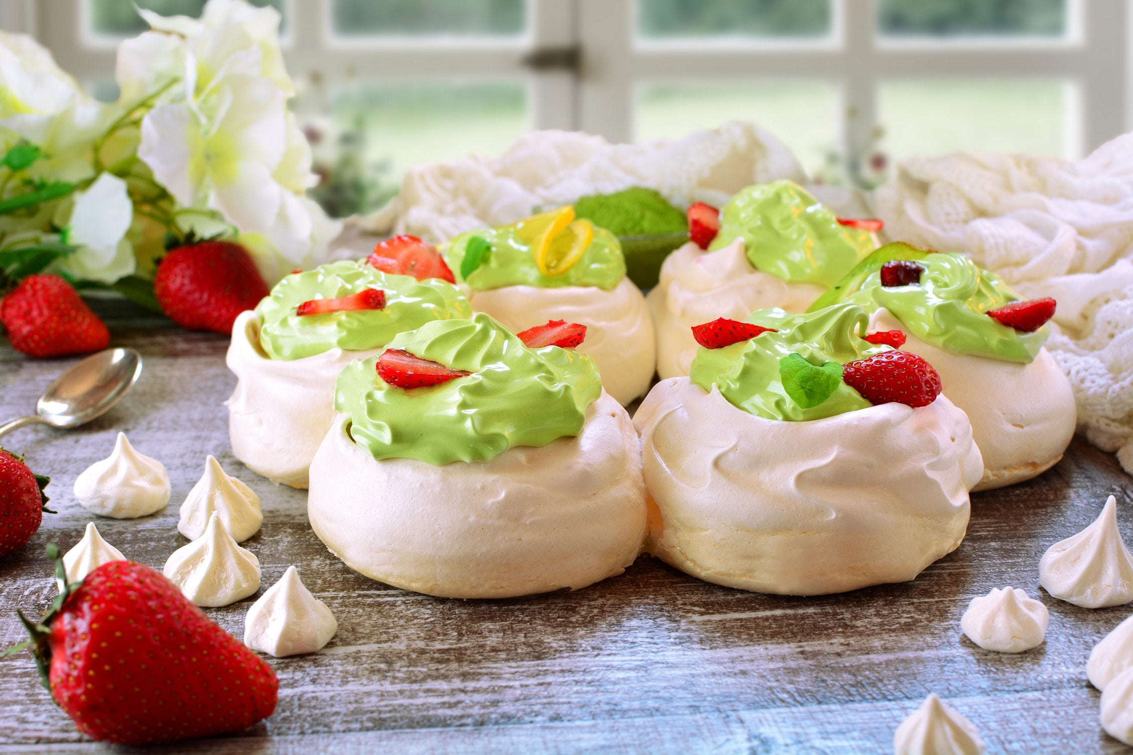matcha-pavlova-wreath-result