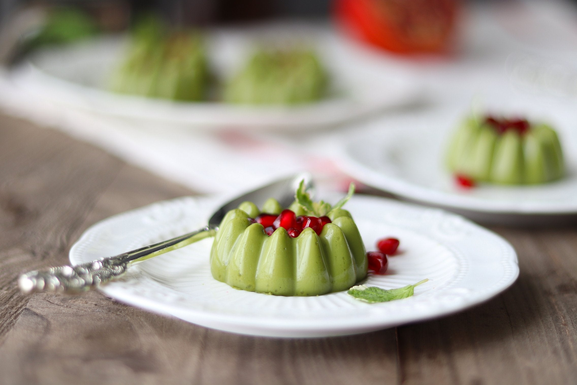 matcha-panna-cotta-with-fresh-pomegranate-seeds-result