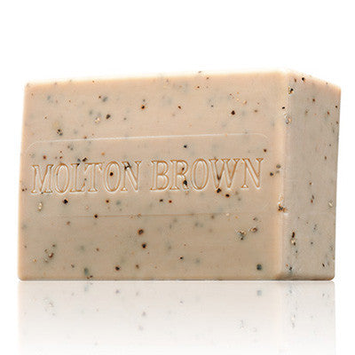 Molton Brown Re-Charge Black Pepper Bodyscrub Bar