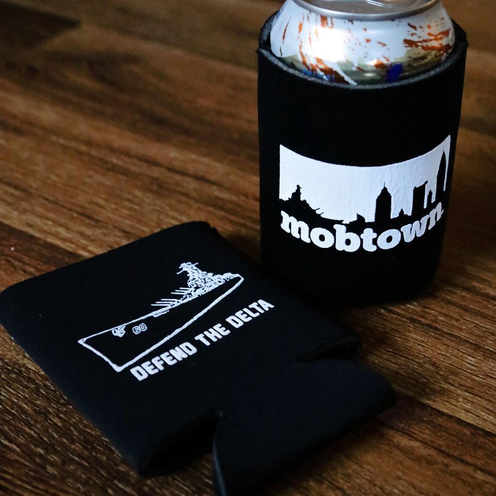mobtown® Skyline Koozie