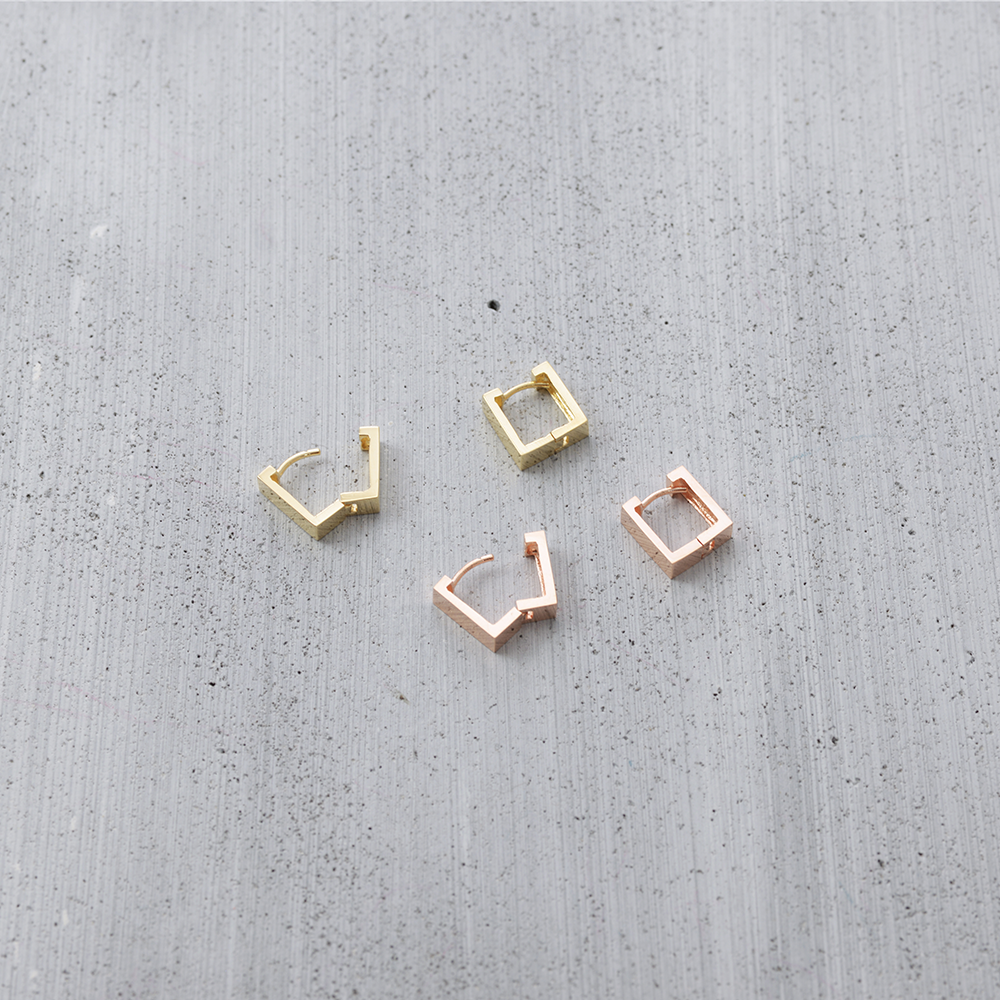 Square sleeper Earrings - HerBanana