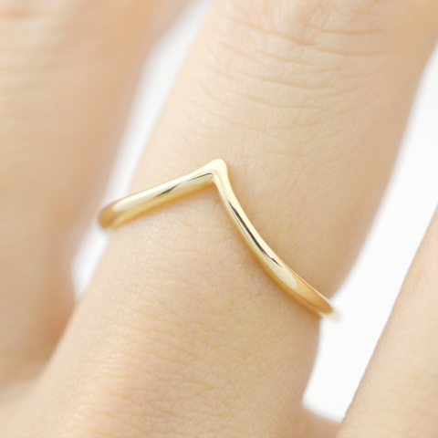 Double chevron Ring - HerBanana