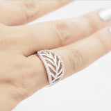 Shiny leaf Ring - HerBanana