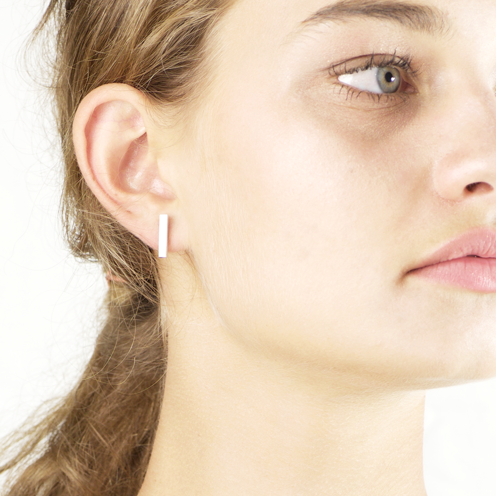 Brushed square bar Earrings - HerBanana