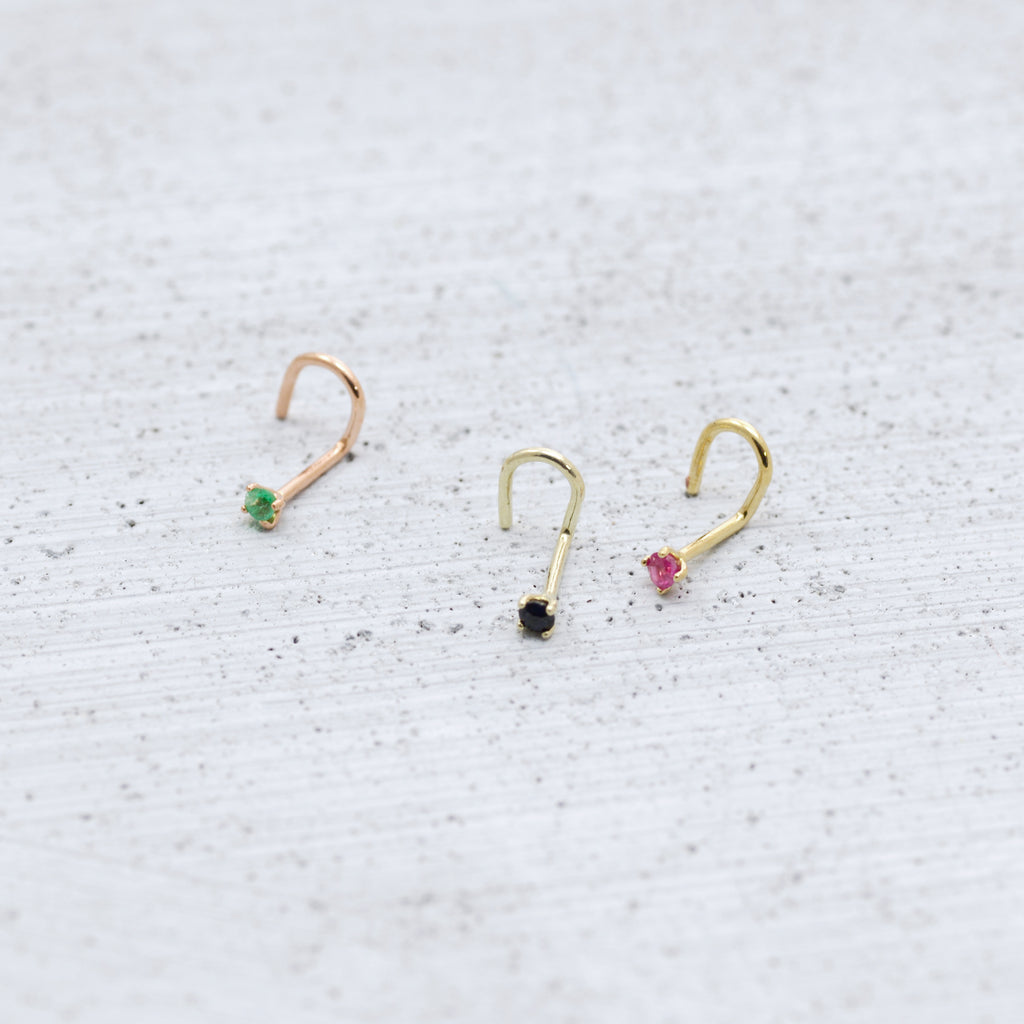 Medium petite nose screw Piercing - HerBanana