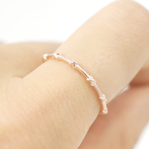 'X' dainty band ring - HerBanana