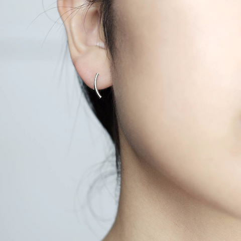 Curved bar stud Earrings - HerBanana