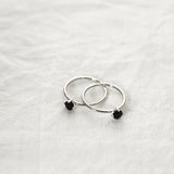 Round onyx solitaire Ring - HerBanana