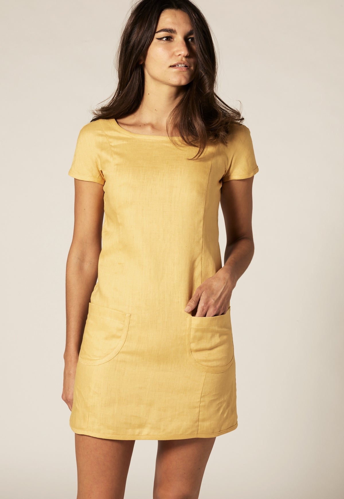 BELTED GOLD LINEN SHIFT DRESS