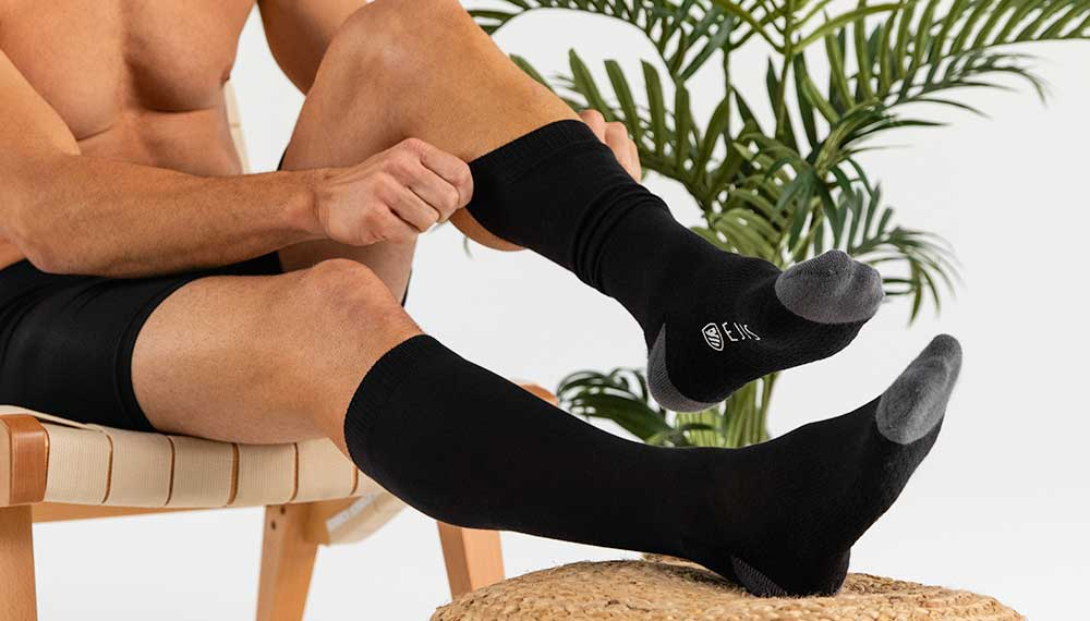 Ejis Antimicrobial Odor-Fighting Socks