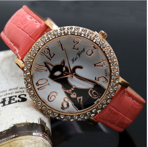 Whoa !! This WATCH will make the perfect gift for lovers to cats! $9.99 - ★  Get Yours here.
