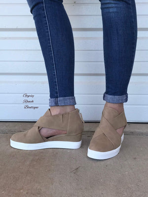 Everly Tan Shoe