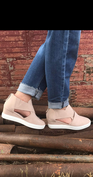 Bailey Blush Shoe
