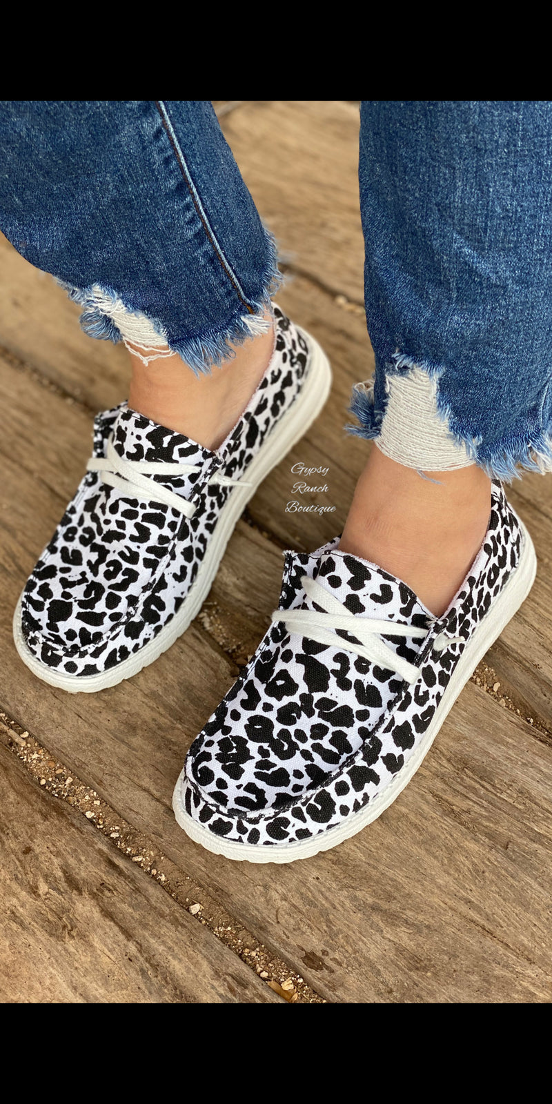 Gypsy Jazz SNOW LEOPARD Slip On Shoes