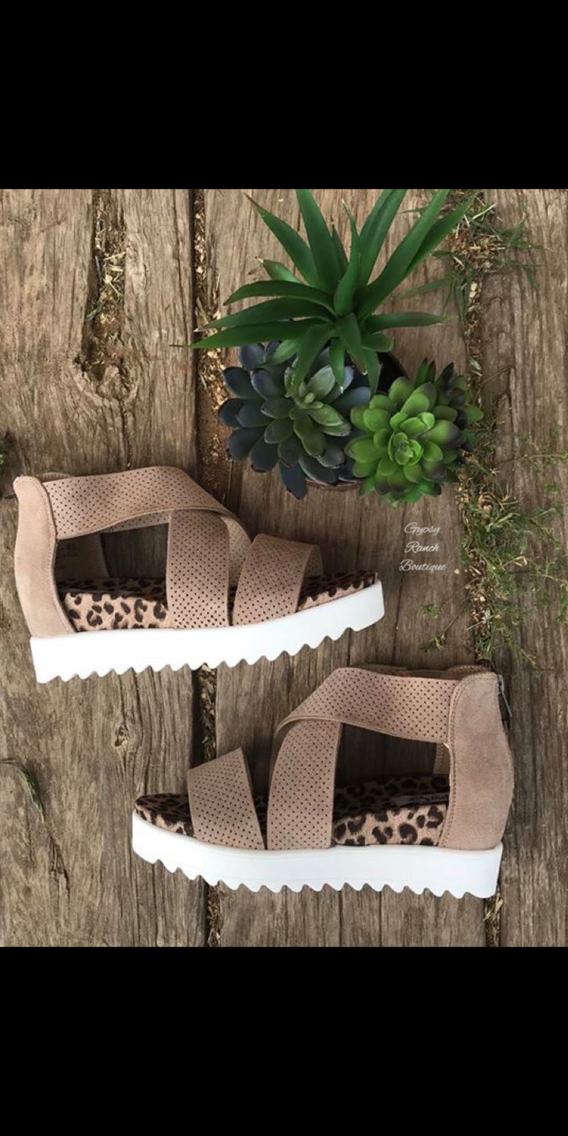Ace Very G Taupe Sandals