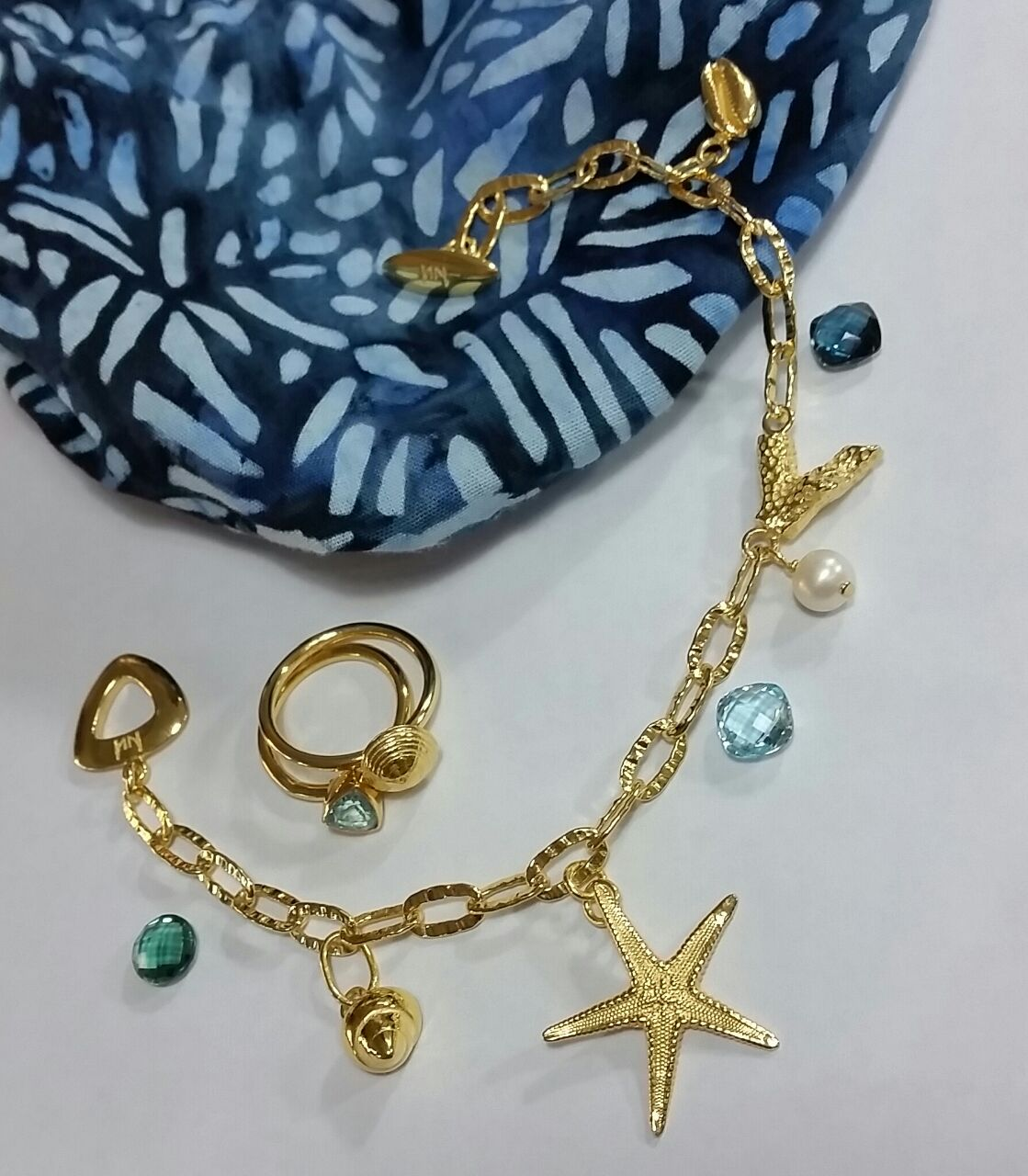 Sea Shell and Pearl Charm Bracelet