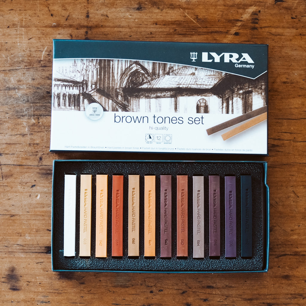 Lyra Soft Pastels in Brown Tones