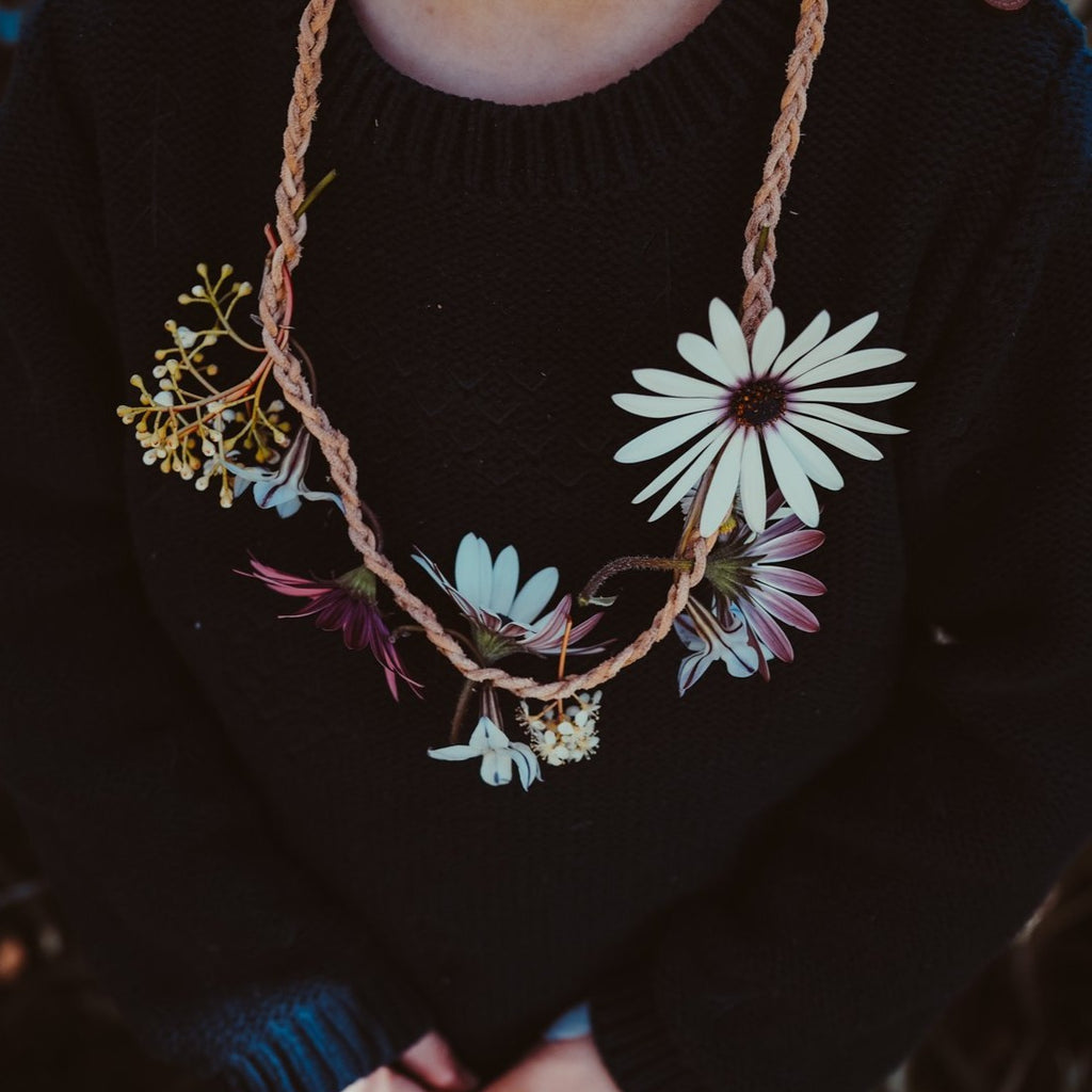 Kikkerland Flower Necklace | Arts & Crafts - Wild Mountain Child