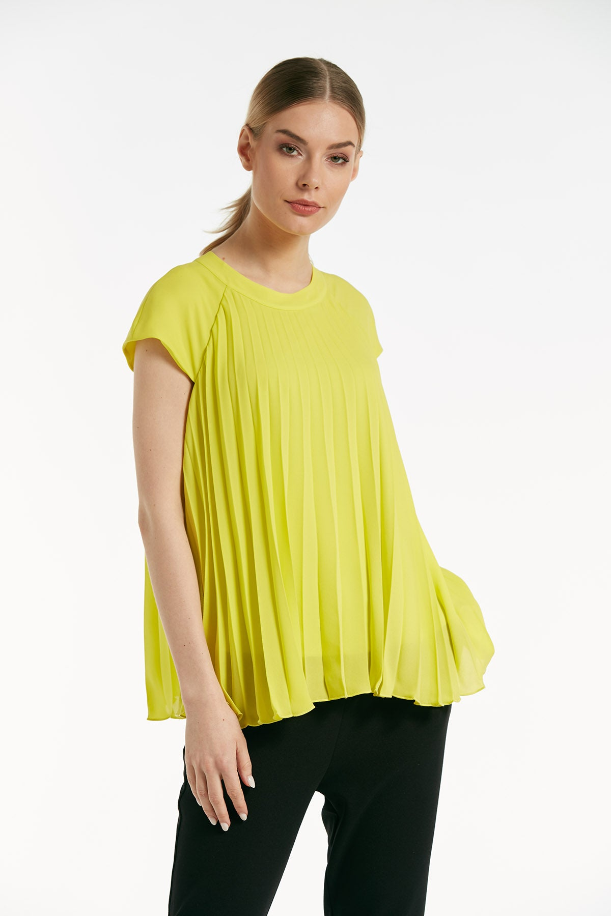 a90b4ffe32fd18 Short sleeves pleated top - 16128 – Explosion London
