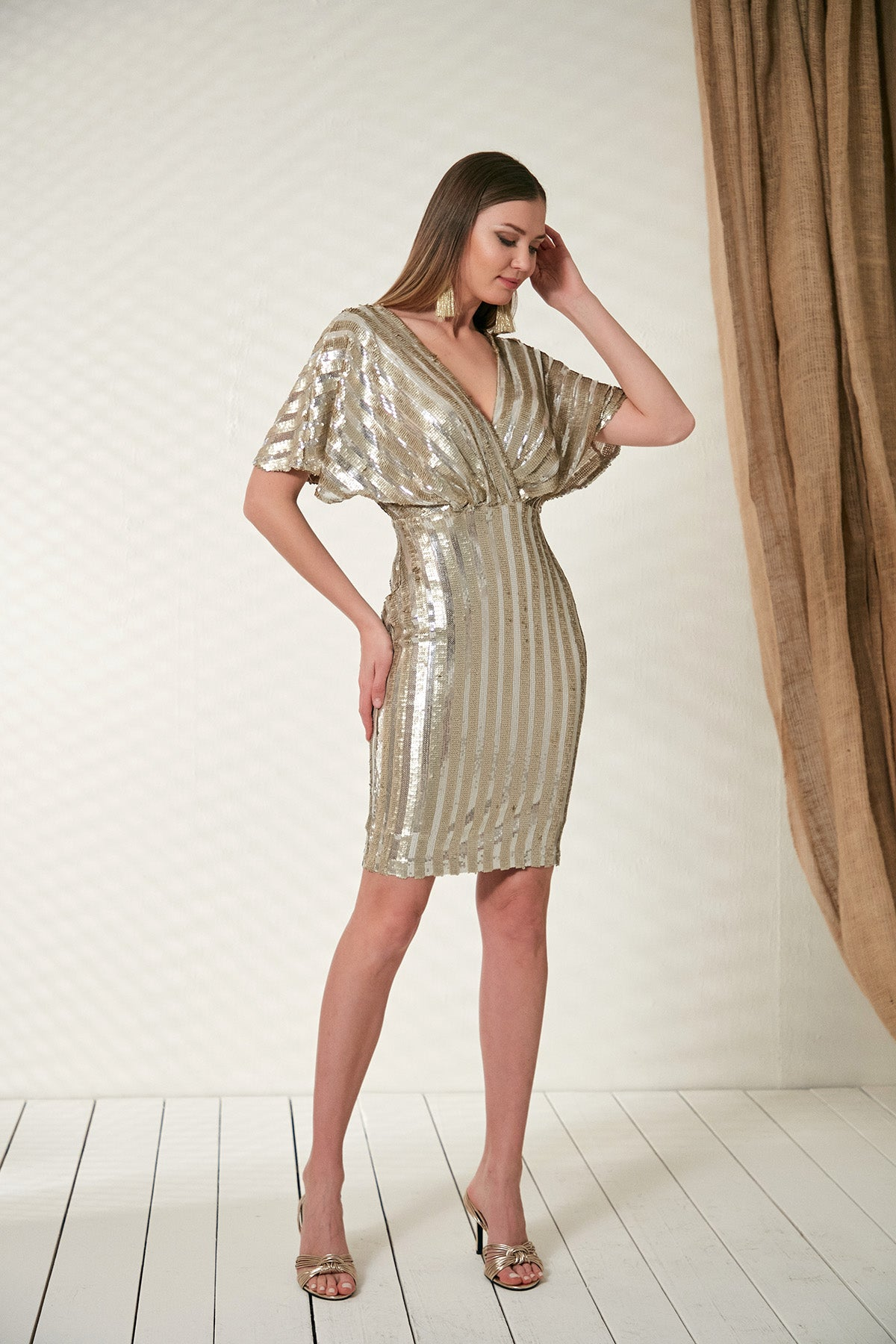 Bodycon Party dress in gold sequin