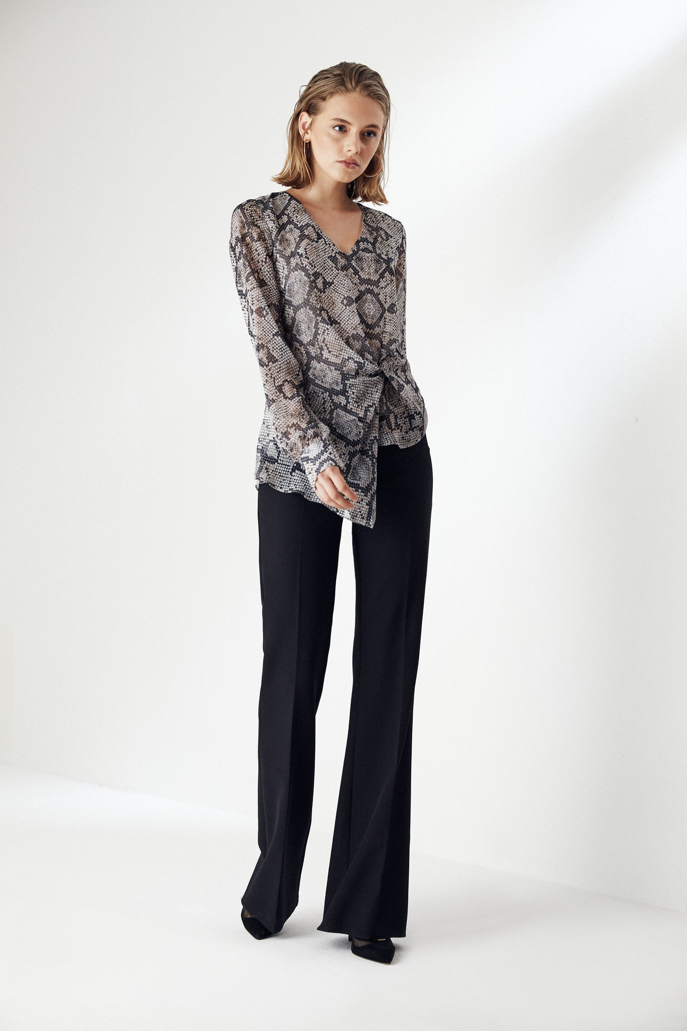 Long Sleeve Asymmetrical Leopard print Top