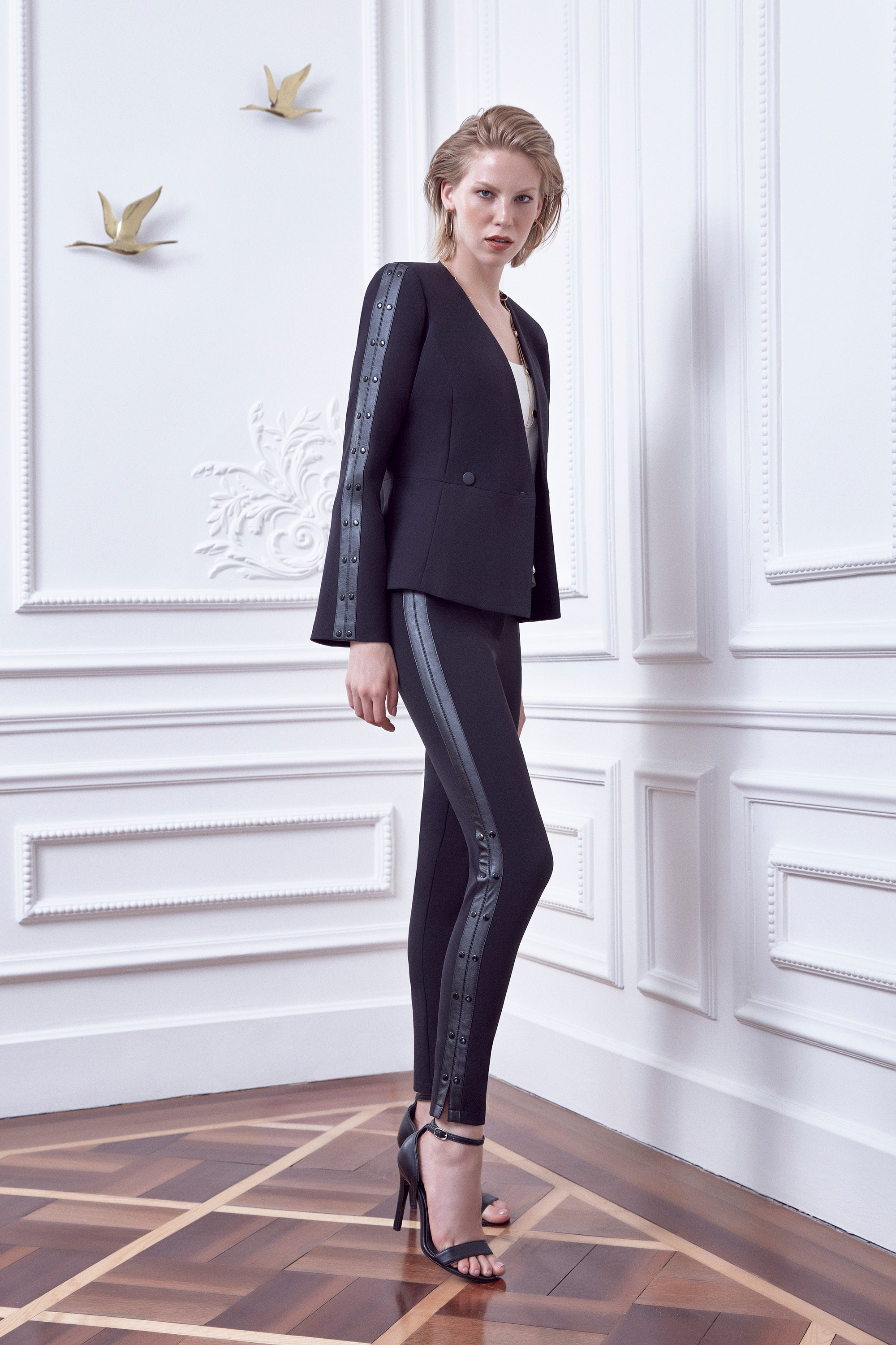 Middle waist ankle length slim trousers with leather - 41985