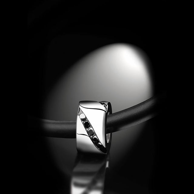 Men's Collection Unik Man Pendant 'Wrapped in Love' White Gold - GERARDRIVERON