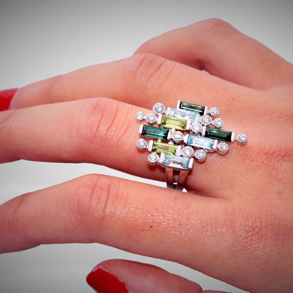 MANHATTAN GM WHITE GOLD, DIAMOND, GREEN TOURMALINE, PERIDOT, AQUAMARINE BAGUETTE RING, MANHATTAN COLLECTION