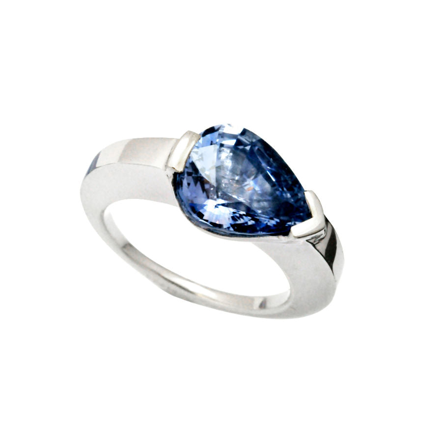 Cupidon Ring with Pear-Shape Sapphire in 18K White Gold - GERARDRIVERON
