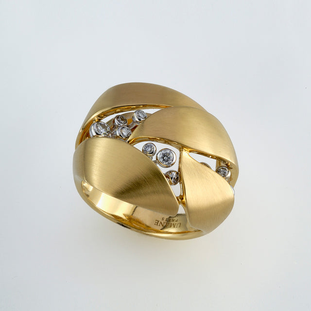 Natural History Collection Gold & Diamond Ring Buisson