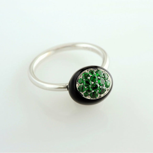 Mini Galet Collection Onyx & Tsavorite Ring