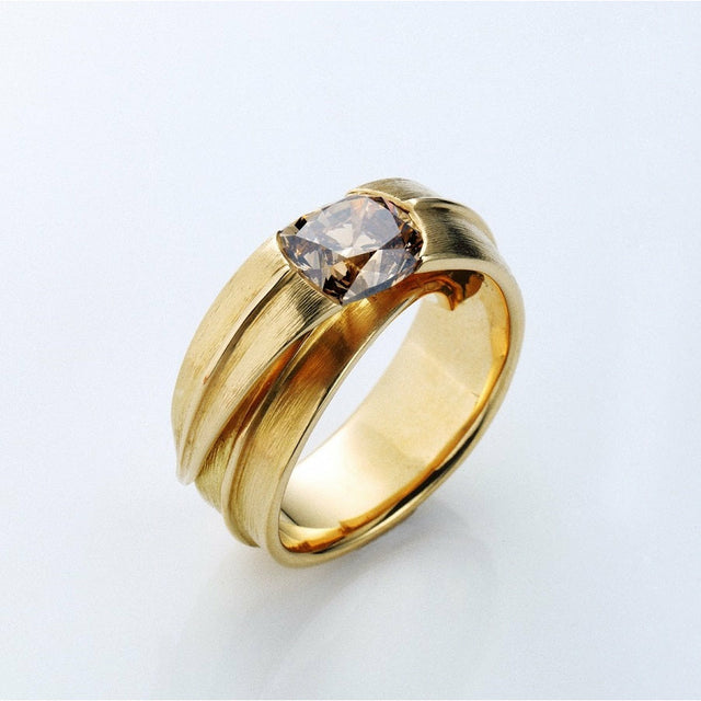 IKEBANA Yellow gold and Champagne Diamond Ring