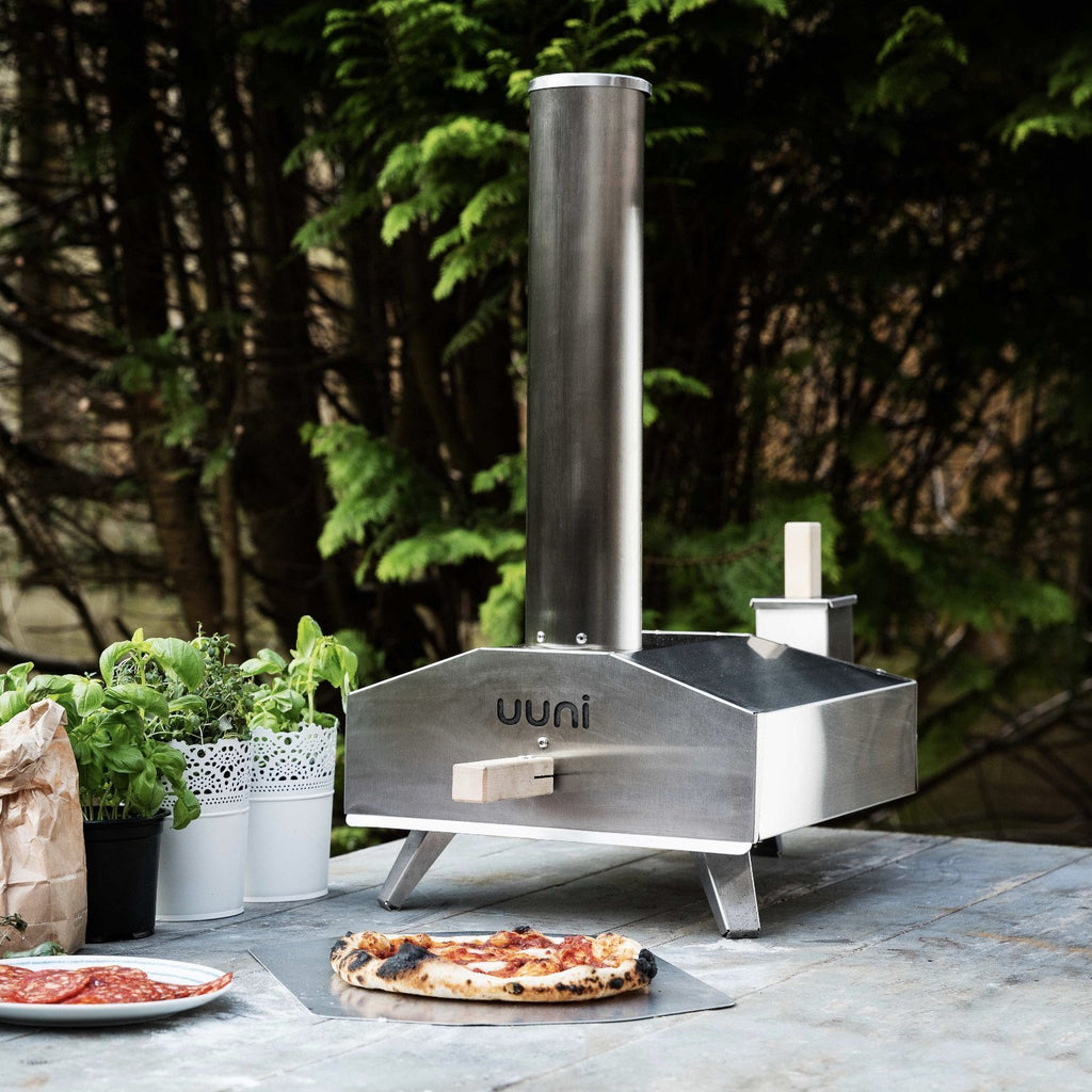 Ooni 3 | Portable Outdoor Wood Fired Pizza Oven - 2kg Wood Starter Bundle with Free Shipping the pizza oven store