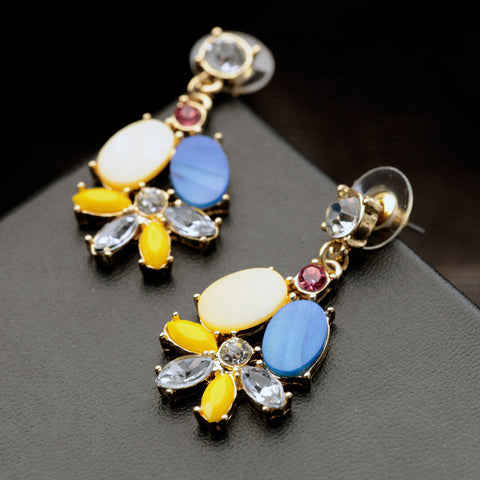 New arrival Colorful Shell Fashion Stud Earrings.
