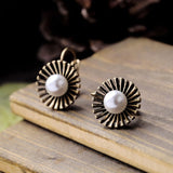 CENTRAL PEARL OUTER SPIKE STUD EARRINGS | SWANL