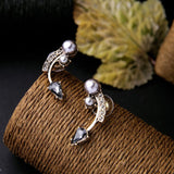 CURVY PEARL STUD EARRINGS - SWANL