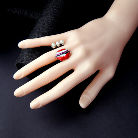 Lip Dip Statement Ring